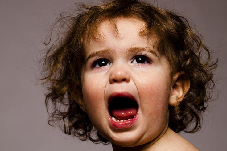 15 zdań, które uspokoją wściekłe dziecko - psycholog proponuje zamienniki dla złośliwych uwag