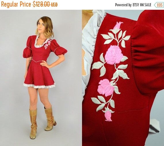 SALE 60's Grizzly Rose Dress by discoleafvintage on Etsy https://www.etsy.com/listing/240496511/sale-60s-grizzly-rose-dress