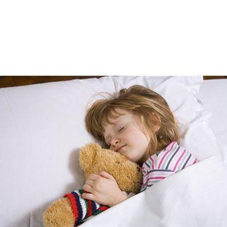 Ook bij slaapproblemen kan aromatherapie uitkomst brengen! Wij hebben een speciale slaapmix in ons assortiment. De slaap lekker aromamix. Ontspant lichaam en geest. De essentiële oliën die in dit mengsel gebruikt zijn: lavendel, mandarijn en een vleugje laurier. Zo kunt u de gehele nacht ontspannen slapen. Good night,.,,and sleep tight..