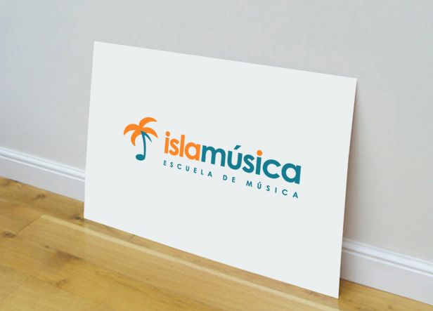 Diseño de logotipo para Islamúsica, una escuela de música ubicada en la localidad de La Isla de San Fernando (Cádiz) que además ofrece servicios de alquiler de locales de ensayo, alquiler de equipos, estudio de grabación, etc...  Nuestro cliente buscaba una imagen para su empresa fresca y moderna que expresase de forma directa y original los servicios que ofrecen.