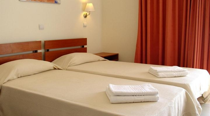 Double Room: 2 bed or 1 double bed, wc with shower, tv, refrigerator, internet, telephone, balcony, hotplate. A 3rd bed can be added.
