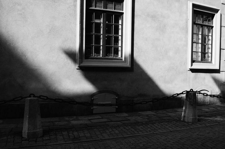 shadows do not exist?