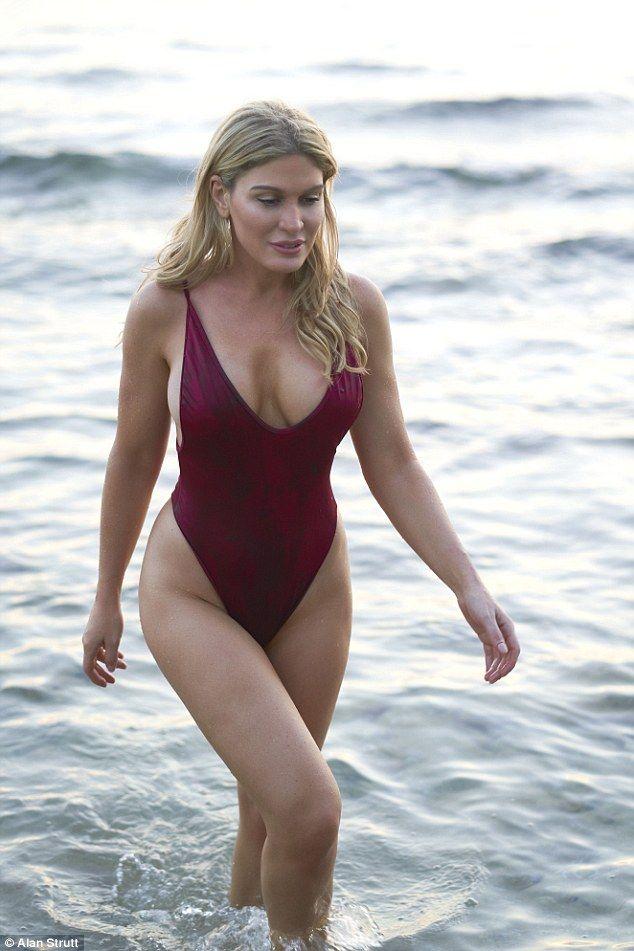 Young Hot Joanna David  naked (23 fotos), Snapchat, swimsuit