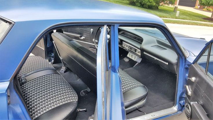 FOR SALE.....AUCTION HAS 3 DAYS LEFT....BLUE/BLACK...NEW INTERIOR....WITH HYDRALIC PUMPS....C1964 Chevrolet Impala impala