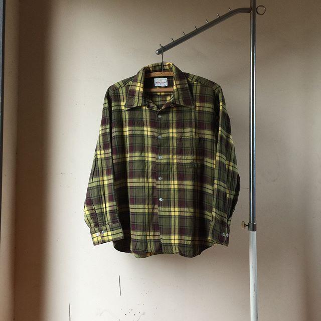 Trendy Fashion Style Women's Clothing Online Shopping - SHOP NOW !         new stuff  simpsons sears vintage cotton×wool open collar shirt  シンプソンズ・シアーズのオープンカラーシャツです。  イエロー×ボルドーのコットンウールの生地感が素敵です  秋らしい色味ですね  ぜひ✨😍🇺🇸💯 5800円+tax  #古着 #古着屋 #大宮 #haus #vintage #vintagefashion #vintageclothing #vintageclothingstore #vintageshirt #vintageshirts #shirt #shirts #opencollarshirt #opencollar #cottonwool #simpsonssears #sears #madeinusa #streetfashion #fallfashion…