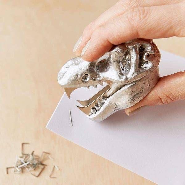 Dinosaur Skull Staple Remover