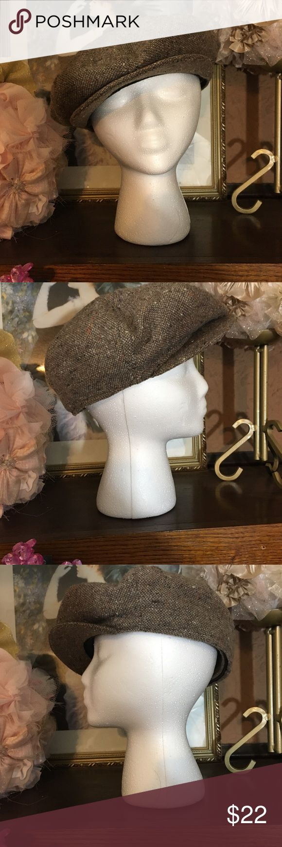 VINTAGE STETSON PAGE BOY CAP BRAND: VINTAGE STETSON  TYPE: PAGE BOY CAP WOOL  COLOR: BROWNS  SIZE: O/S  FABRIC CONTENT: WOOL WITH FAUX FUR LINING  CONDITION: EUC Stetson Accessories Hats
