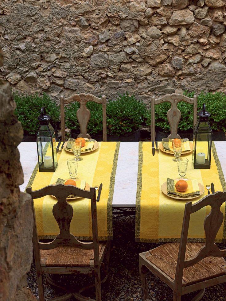 13 best jacquard francais images on pinterest tablecloths table linens and cloaks. Black Bedroom Furniture Sets. Home Design Ideas