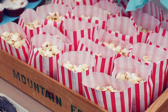 au cas où vous mettiez en doute le pop corn: no american party without popcorn