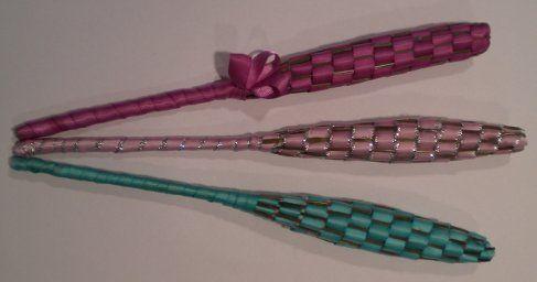 Lavender Wands. Fun craft idea for older kids. Good use of garden lavender!