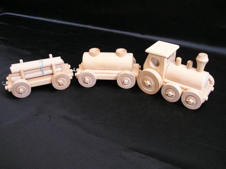 Vláčky pro malé děti s odpojitelnými vagónky v krásném panorama balení vše české výroby. skladem