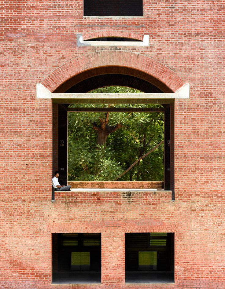 Edmund Sumner shares photos of Louis Kahn's Indian Institute of Management Ahmedabad