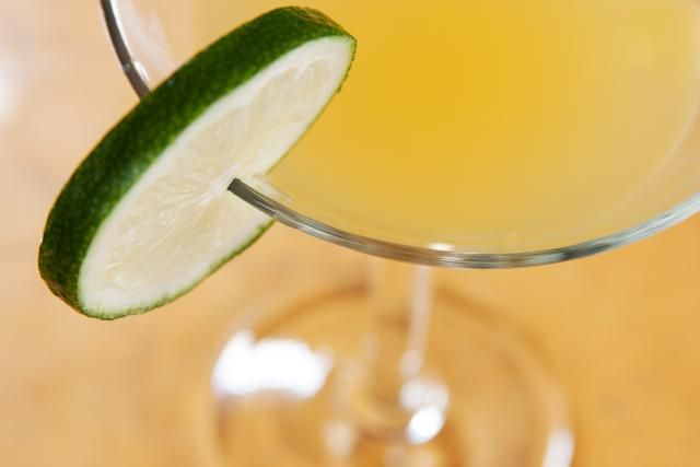 Mango and jalapeno pepper are used in this Mango Spice cocktail recipe to create an interesting contrast of flavors that is perfect for any occasion.