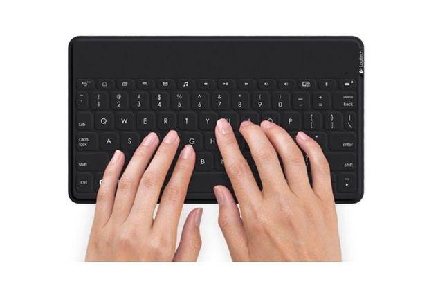 Dit dunne mobiele toetsenbord is geschikt voor Android, iOS en Windows