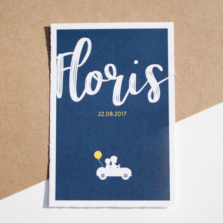 Donkerblauw met okergeel geboortekaartje van Floris met stoere letters en een silhouetje - Ontwerp door Leesign #geboortekaartje #leesign #donkerblauw #okergeel #floris #silhouet #oudhollands
