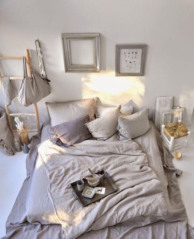 -Sweet dreams- I morgen venter en superhyggelig jentekveld hos @lillesandblomster Vi skal lage julekrans og kose oss med litt vin og kjas. Gleder meg veldig✨ Cred: @mondaytosundayhome  ______________  #interior4all #interior123 #boligpluss  #homeinterior4you #charminghouses #dream_interiors #inredningsdesign #interior125  #asafotoninspo #boligliv #inredningsdesign #dagensinteriør #interior2you #interior #skandinaviskehjem #ssevjen  #inspirasjonsguidennorge #interiorwarrior #interiorwife…