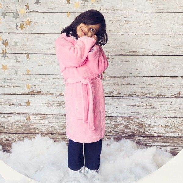 #TheWorldBoutique designed boys and girls children's sleepwear #RobinPinkRobe By Four In The Bed. For more detail visit @ https://goo.gl/AbWEUA #BabyProductsOnline