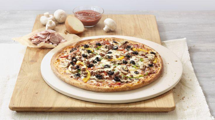 Pizza «ExtravaganZZa» – Tomato sauce, Mozzarella, Pepperoni (salami), Ham, Beef, Mushrooms, Peppers, Olives, Onions – Sizes: S - 25cm, M - 30cm, L - 35cm