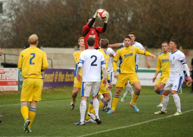 The Coasters forfeited valuable ground in the promotion race in Evo-Stik Northern Premier League to their close rivals, who lost their goalk...