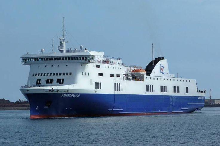 Περιπέτεια εν πλω νωρίς το πρωί της Κυριακής για 466 ανθρώπους, που επιβαίνουν στο πλοίο Norman Atlantic, όταν ξέσπασε φωτιά σε αυτό.