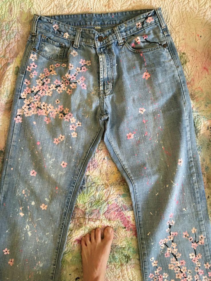 Einige Kirschblüten, die ich auf Jeans gemalt habe …  #einige #gemalt #jeans … #jeans