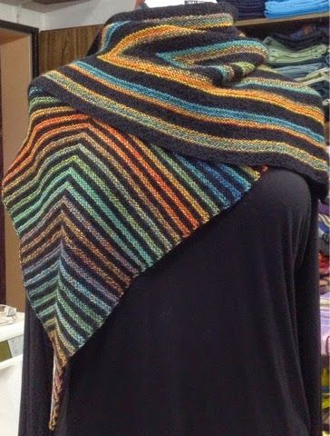 Marion Beermann: Ein neues Drachen/Spitzpatch Tuch (mit Kurzbeschreiibung)