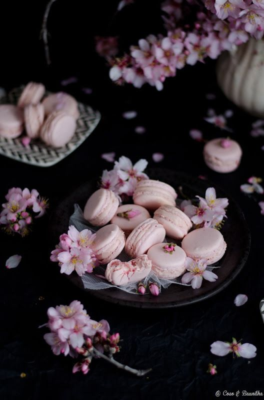 Strawberry Macarons Recipe --> These Sakura Flowers remind me of Japan... So pretty!