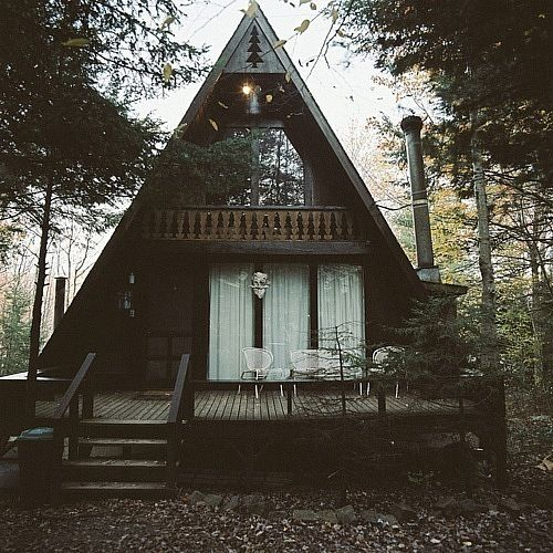 Private abode.Lakes House, Dreams Home, Little House, Triangles, Little Cabin, Dreams House, A Frames House, Places, Little Cottages