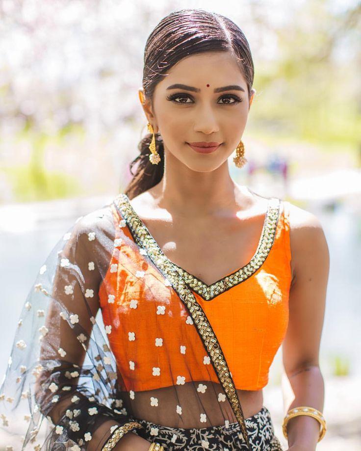 "5,135 likerklikk, 96 kommentarer – by Kannesha Suresh  (@deyakannesha) på Instagram: ""I've tried to book @imsylvie two times in the past to do my makeup for events but she was already…"""