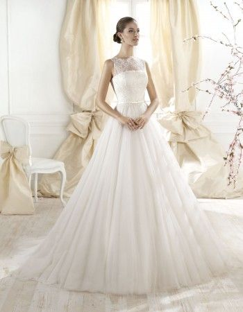 Rochie de mireasa din dantela, stil printesa
