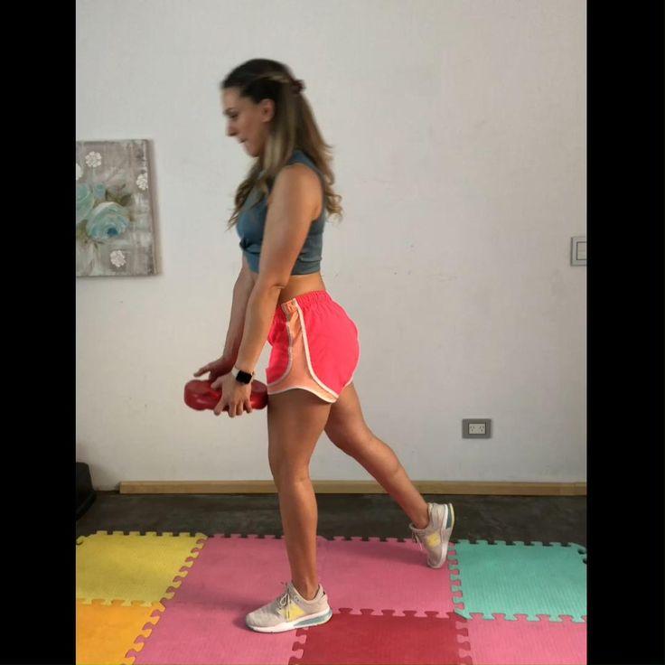 Serie de ejercicios para mejorar la composición corporal del lateral de las piernas y glúteos. Trabaja idelamente 3 o 4 series de 12 repeticiones de cada uno de esta serie. Podés entrenar conmigo en mi canal de YOUTUBE y recibir muchos concejos en INSTAGRAM todos los días! Te espero! Pilates, Cheer Skirts, Exercises, Health Fitness, Training, Gym, Wallet, Youtube, Instagram