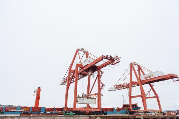 Gantry Cranes @portsaintjohn #shipping #containers