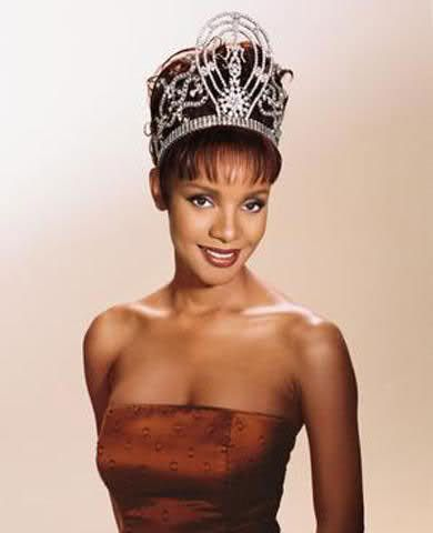 Mpule Kwelagobe 1999 Miss Universe First Black African to ever win Miss Universe Crown