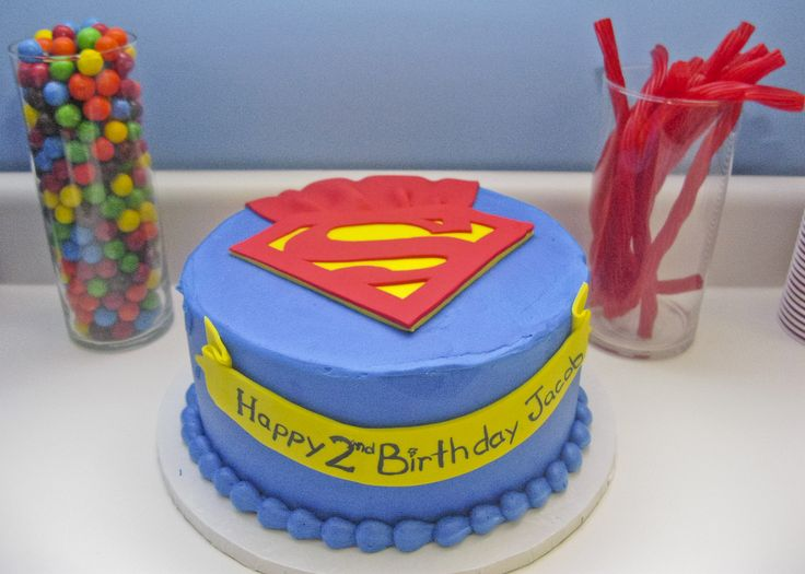 Superman birthday cake for a 2nd birthday