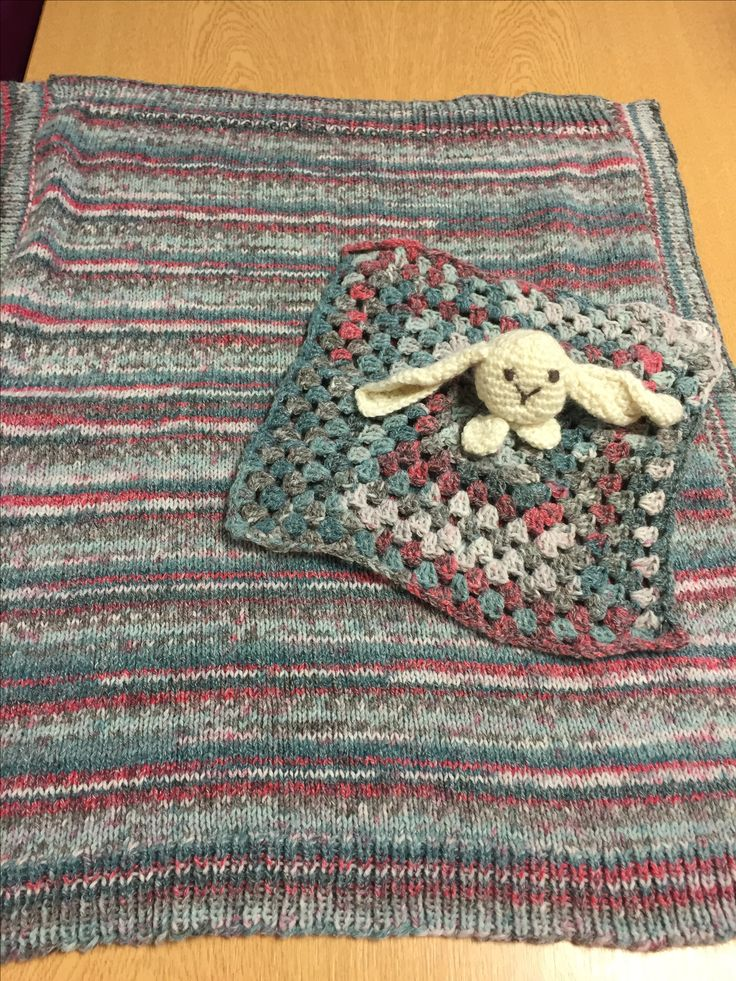 Thanks to Lolly's crafty crochet for the lovey pattern