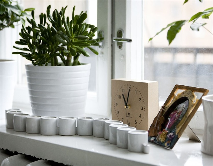Exceptional Windowsill Display. Window PrivacyWindow SillWindow DisplaysLiving ...