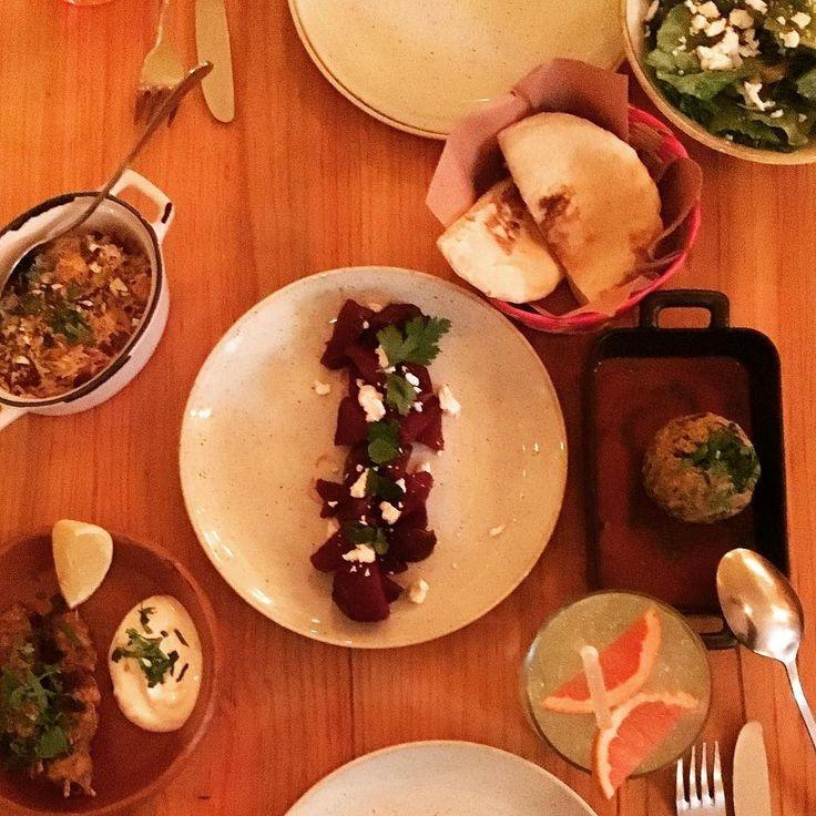 Arroz iraní Ensalada de Alcachofa Betabel rostizado Brochetas Marroquíes Albóndiga persa #especias #spices #spicy #foodporn #food #comida #yummy #yummie #Mexigers #IgersCDMX #happiness #tasty #love #shot #beautiful #awesome#photo #nice