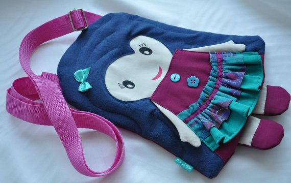Sweet handmade dollypurse for girls. by NinuMiluBagDolls on Etsy,
