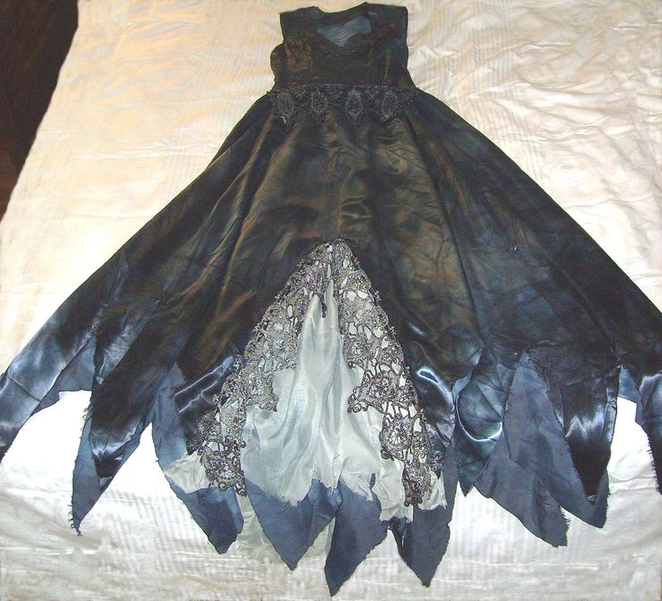 How to make a unique Corpse Bride Wedding Gown or Dress for your Women's Zombie Halloween Costume this year!