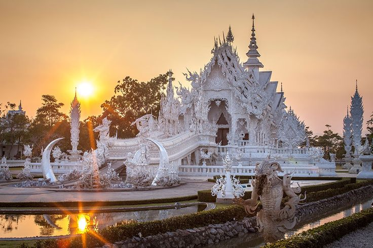Believe it or not, this is a real place – Wat Rong Khun, better known as the White Temple, is a Buddhist temple in Thailand that looks like it was placed on earth by a god.