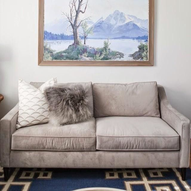 We are always getting asked where to find furniture that's kid friendly. @westelm has a performance velvet that wipes clean and comes in great color options!