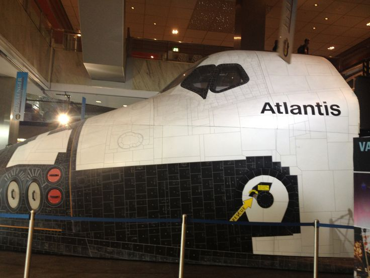 Copy of the cockpit of the Atlantis at the Utrecht exibition