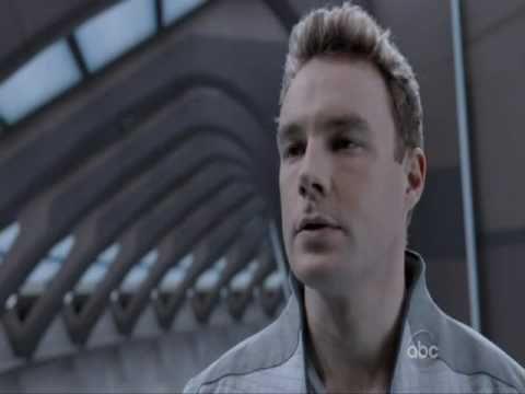 Mark Hildreth in 'V' - S1E03 - YouTube