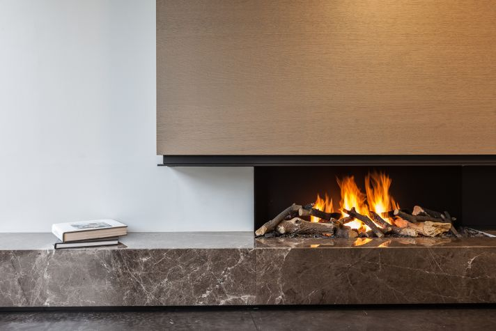 | P | Fireplace with Emperador Marble + Metal Hood