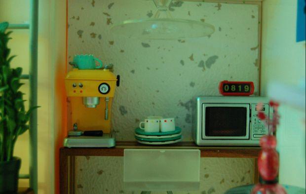 Retro dolls house - Interior. Love the small details