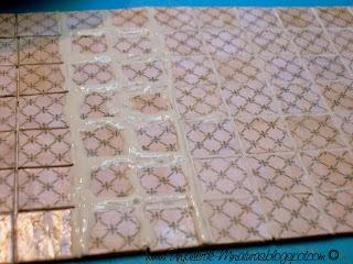 "Making realistic looking ""ceramic"" wall tiles from paper | Source: Un Taller de Miniaturas"