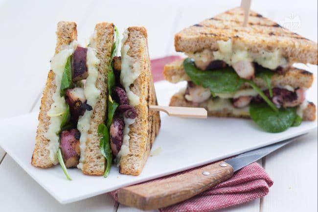 Club Sandwich Con Polpo E Patate Ricetta Club Sandwich Ricette Club Sandwich Idee Alimentari