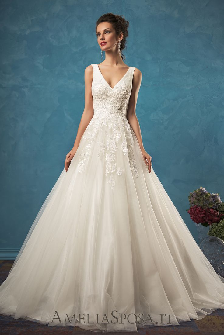 The ever-gorgeous #AmeliaSposa #dress Emma is our featured gown this week. See all the details at http://lnk.al/3dsE