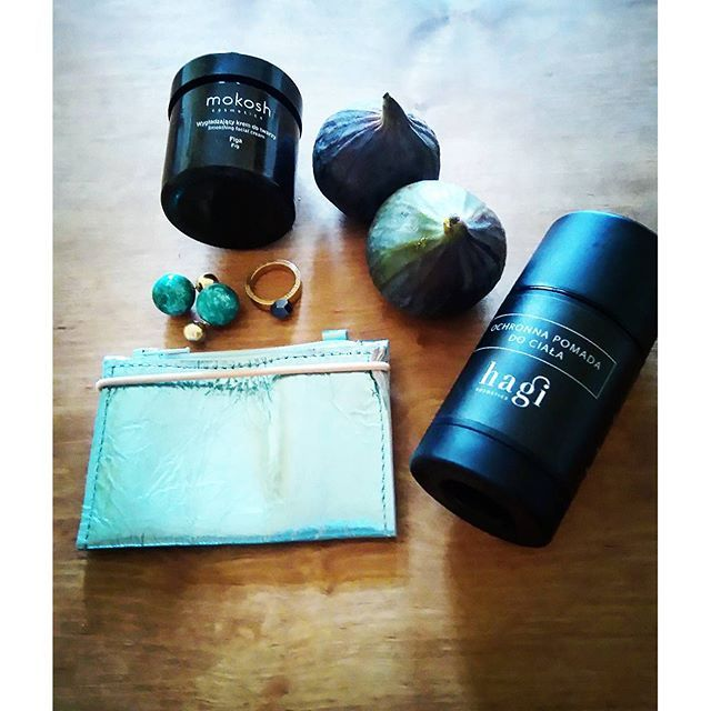 #Delightsoflife, my #simplepleasures #treasures from #slowfashionfairs, #naturalcosmetics: #mokoshcosmetics #facecream from figues @mokosh_cosmetics, #hagicosmetics #bodycare @hagicosmetics, #alicjagetkalab #wallet from @alicjagetkalab - #productdesigner and #awesomebijoux: #fruitbijouxring @fruitbijoux and #coccojewels #tribalearrings from @coccojewels  All these brands You will find in new post on #slowfashionfairs - link to blog in bio