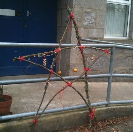 """10 Christmas Outdoor Activities from I'm a teacher, get me OUTSIDE here! ("""",)"""